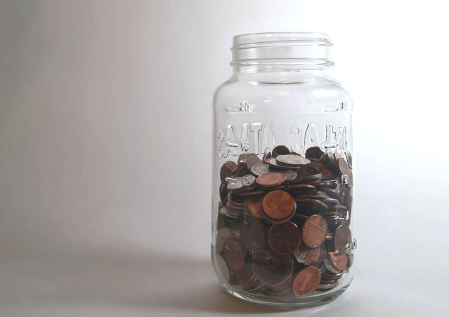 mason-jar-savings-bank-1311765-639x451