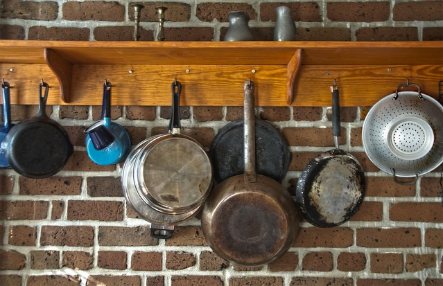 pots-and-pans-1412405-639x412