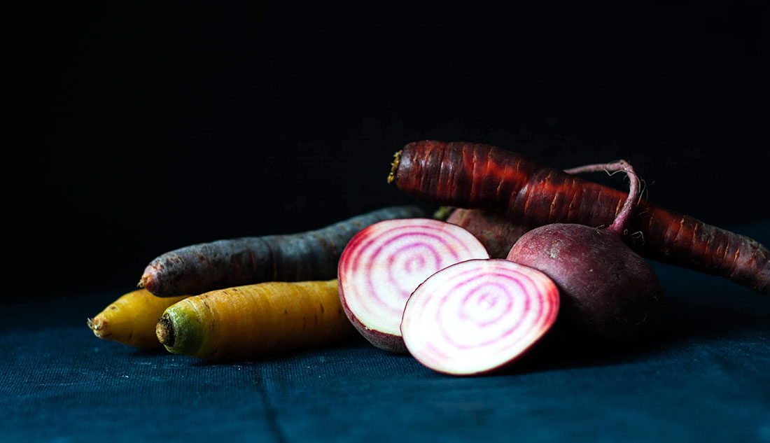 This salad recipe consists of Beetroot & Rainbow Carrots