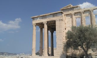 The Acropolis in Athens, Greece is absolutely stunning!